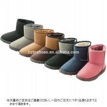 Os carregadores de neve das mulheres os mais vendidos para manter sapatas quentes do inverno da senhora das botas