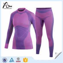 Conjunto de roupa interior sem costura roxo ao ar livre feminino