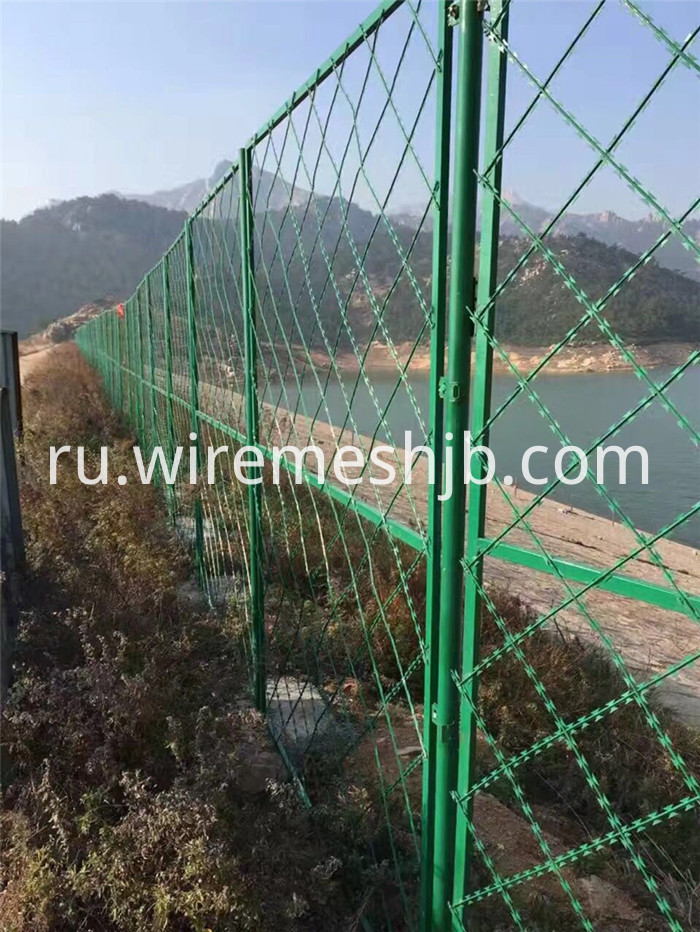 Razor Ribbon Fencing