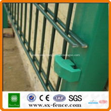Powder coated 2D double wire mesh fence
