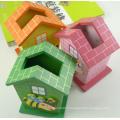 porte-crayon en forme de maison en bois