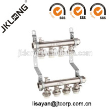 Латунный коллектор с PPR-соединениями для системы отопления