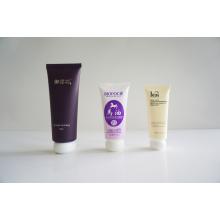 Tubo de plástico. Tubo flexível. Tubo flexível para embalagens de cosméticos (AM14120235)