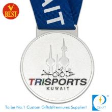 China pressão estampagem liga de zinco trisports medalha 3D em alta qualidade