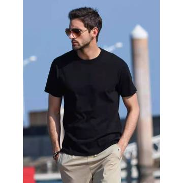 Мужская тонкая футболка с коротким рукавом