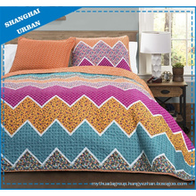 Colorful Zig-Zag Design Printed Polyester Quilted Coverlet Set