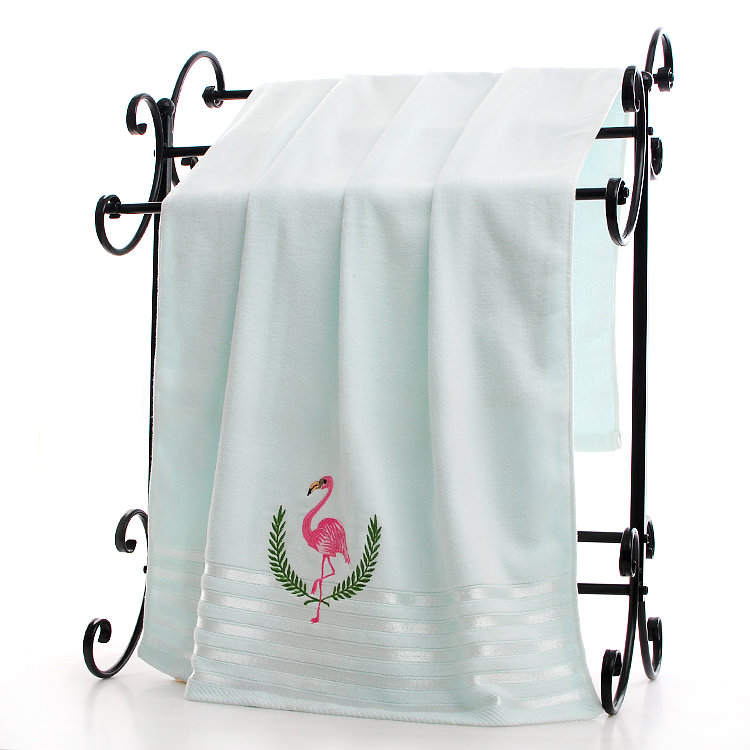 the bath towel with embroidery Flamingo