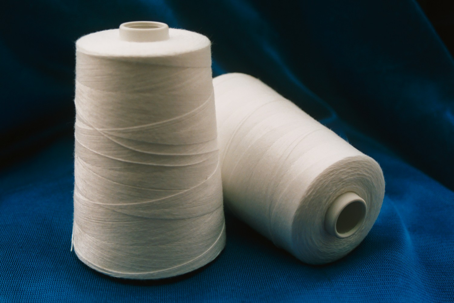 Spun Polyeste Thread