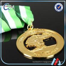Compagnie de produits de trophées de remise de médailles en forme de montagne d'or