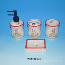 Lovely toilette en céramique de singe Ensemble de toilette en céramique Mug / bouteille de lotion / porte-savon / porte-brosse à dents Ensembles de salle de bains