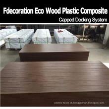 Decking plástico de madeira resistente da co-extrusão do assoalho do composto WPC do molde