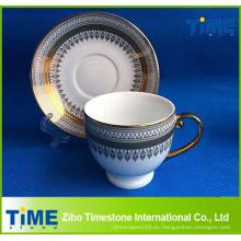 Conjunto de taza de té árabe de diseño dorado
