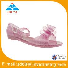 Nova modelo de sandálias menina 2015