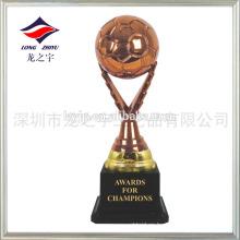 Marca de diseño en el trofeo de fútbol el trofeo de fútbol de bronce