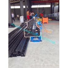 Metalllagerregal, das Regalrolle bildet Maschine macht