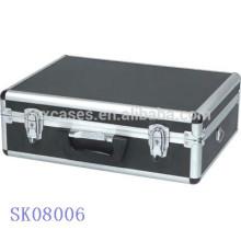 Negro caja de herramienta aluminio barbacoa con esquinas redondeadas
