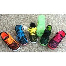 Chaussures adaptées aux besoins du client d'injection de toile d'enfants, chaussures de mocassin polychromes, chaussures de sport
