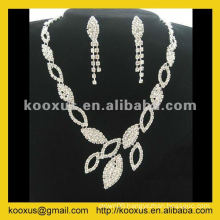 European style rhinestone jewelry set with earrings