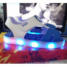 Детская мода лето яркие босоножки проблесковый свет СИД обуви (TL67-1)