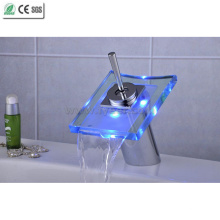 Torneira da bacia do diodo emissor de luz do nível do único cacho de vidro da cachoeira (QH0801F)