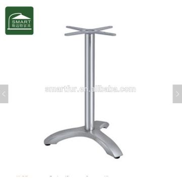 Base de table basse en aluminium moderne avec trois pieds
