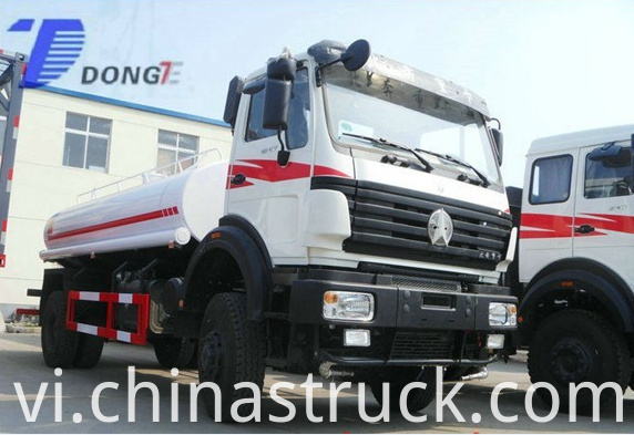 NORTH BENZ 4x4 watering truck for military use