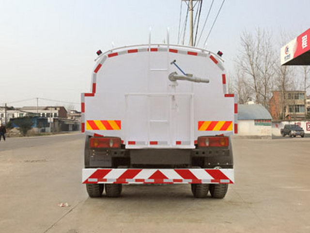 CLW GROUP TRUCK Cleaning Vehicle