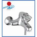 Robinet de mélangeur de robinet de baignoire et de douche à eau chaude et froide (ZR22001)