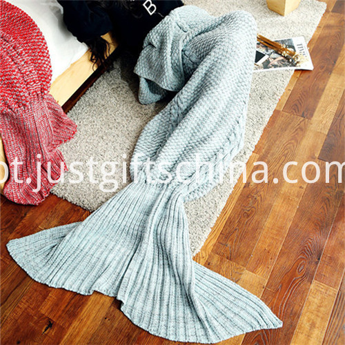 Promotional Kinnting Mermaid Tail Blanket 3