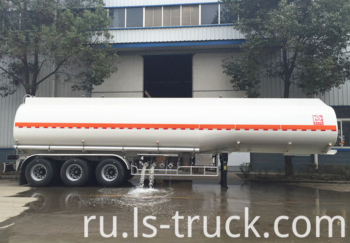 Tri-axle 43000L Fuel Transport Semi Trailer