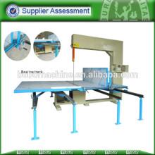 Máquina de corte vertical automática del colchón para la venta