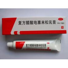 Crème d'acétate de dexaméthasone composée, acétate de triamcinolone et acétate d'urée et crème d'urée
