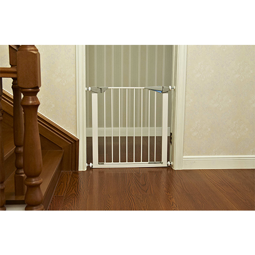 Högkvalitativ Retractable Metal Baby Safety Gate till salu