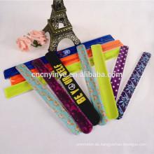 Fabrik OEM Promotional reflektierende PVC Snap Band PVC Vinyl slap Wrap/Schlag Armband