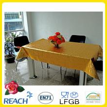 Sobreposição de toalha de mesa de PVC metal com ouro e Emboss Design na fábrica de rolo