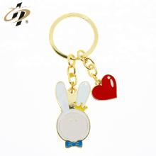 Benutzerdefinierte Zink-Legierung Metall Gold Cloisonne Emaille Karton Schlüsselanhänger