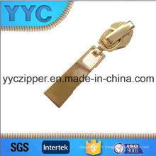 2016 Hot Sale Auto Lock Slider pour Nylon Zipper YYC