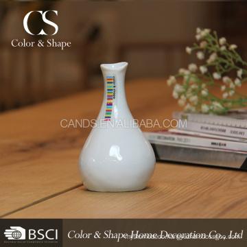 Low price white ceramic art vase in good quality