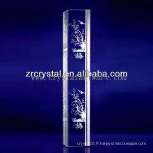 Cristal gravé par fleur de prune de laser de K9 3D avec la forme de pilier