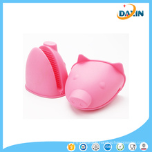 Promotional Kitchen Tool Pig Shape Non-Sllip Heat-Resistant Silicone Gloves