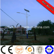 5 ans de garantie appliqué dans 80 pays ISO CEI Ce Sale PV LED solaire réverbère avec une bonne intégrité