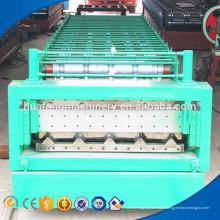 Machine de formage de rouleaux de tôles d'acier pour garde-corps d'autoroute