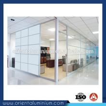 Station de travail en profilés en aluminium