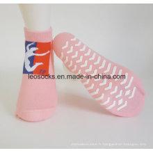 Le bas antidérapant adapté aux besoins du client de chaussettes de yoga de chaussettes de yoga antidérapage