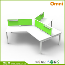 Nuevo estilo Mesa de muebles de oficina de 120 grados para tres personas