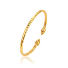 52253 XUPING Latest Design Fashion 24K Gold Color Delicate No Stone Gold Plated Bangle