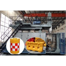 Top for Hydraulic Blow Molding Machine Plastic Road Traffic Automatic Blow Moulding Machine export to Martinique Factories