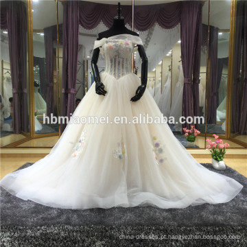 Vestido De Noiva De Design Especial Aberto Para Trás Pérolas Beading Rendas Ver Através De Cetim Forro Personalizado Vestido De Noiva