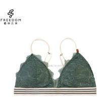 Al por mayor y personalizado de encaje muy sexy nuevo diseño triángulo banda elástica bragas y sujetador de las mujeres