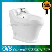 Bidet de agua de cerámica Bidet personal Artículo: A5010